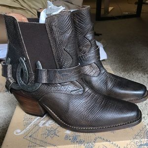 Free peopel. NWT lady luck ankle boots. size 37.